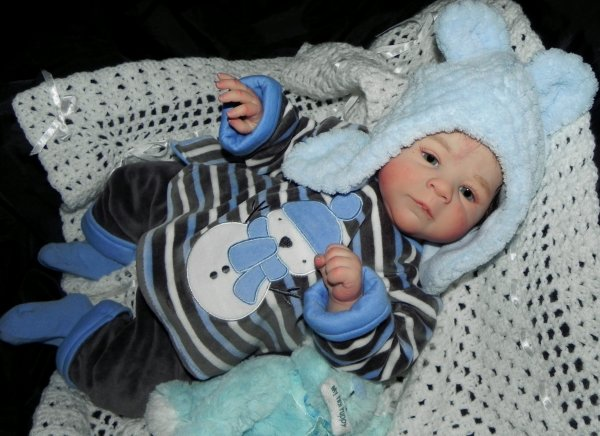 jules un b�b� d'Amour de 51 cm pour 2,300 Kg adopt� merci a sa jeune maman Alissia