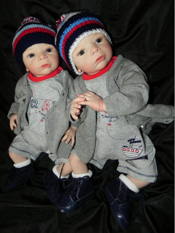 Les jumeaux Lilo et Telio cr�e sur commande merci Cecile