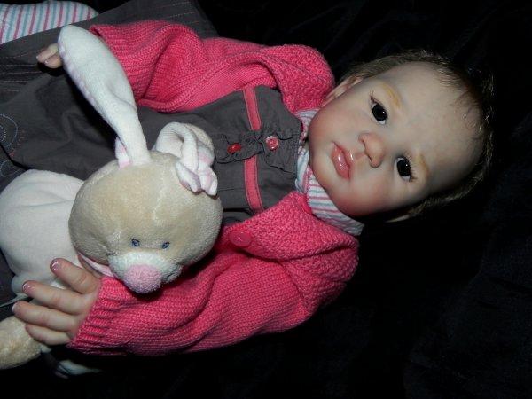 Elea b�b� d'Amour adopt�e
