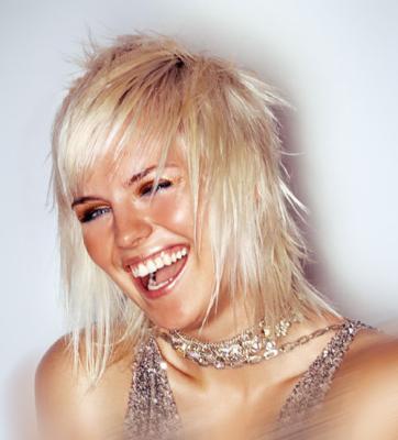 catalogue de coiffure pour femme 2012 tuto coiffure cheveux mi long attache shop cndu. Black Bedroom Furniture Sets. Home Design Ideas
