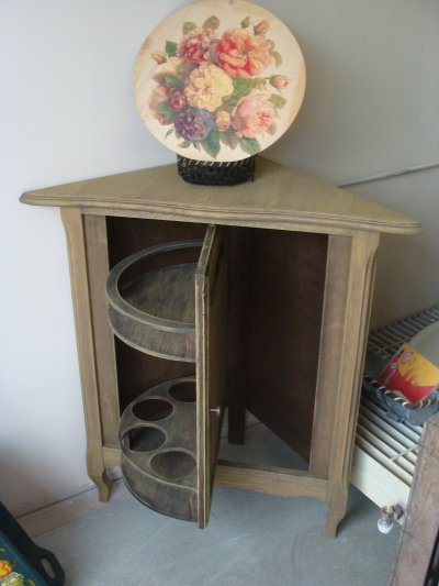 meuble d 39 angle mini bar blog de sylvie brocante753. Black Bedroom Furniture Sets. Home Design Ideas