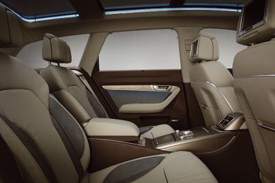 Audi allroad l 39 int rieur v i p voiture de luxe for Interieur voiture de luxe