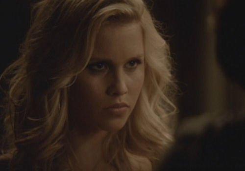... Klaus y est déjà présent et il apprend à Jenna que les vampires et