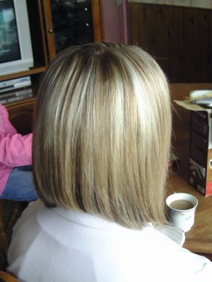 Carr plongeant long meches blondes marie coiffure amiens - Carre plongeant meche blonde ...