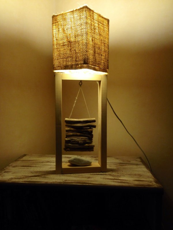 petite lampe toile de jute bois flott e contemporaine kevdeco c urnature. Black Bedroom Furniture Sets. Home Design Ideas