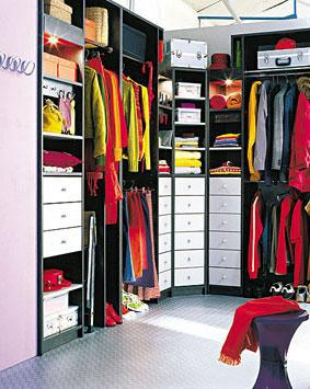 comment organiser son armoire je veux tre une. Black Bedroom Furniture Sets. Home Design Ideas