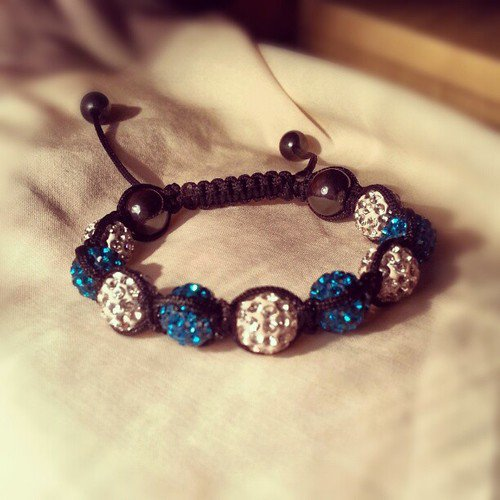 fabriquer un bracelet shamballa do it yourself. Black Bedroom Furniture Sets. Home Design Ideas