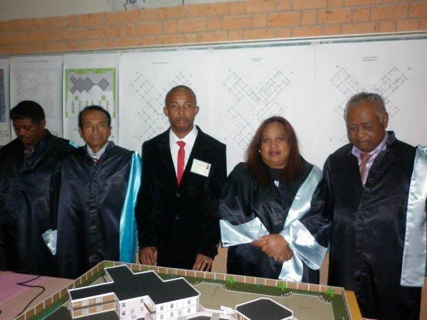 Felicitation � Chaheri Moindji� (licence G�nie Civil Architectural et Urbain)