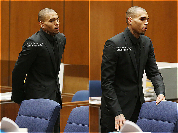 . 20.11.2013 : Chris a �t� pr�sent au tribunal pour sa probation a Los Angeles. .