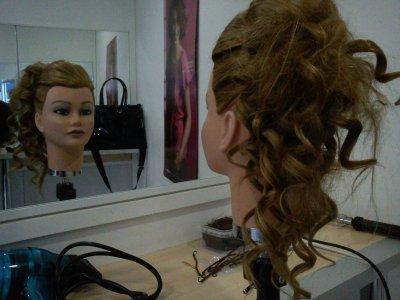 Chignons Bouclé & Creppé de côté - Blog de Hair-Coiff-x3