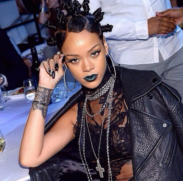 Le nouveau look de #Rihanna