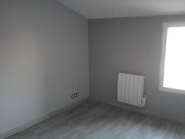 Notre chambre renovation grange - Chambre parquet gris ...