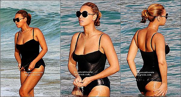 _ 10/04/12 : De passage � St Barth, Bee et Jay-Z ont �t� vu, profitant du beau temps, � la plage. _
