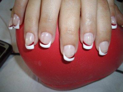 French blanche et liner rouge blog d 39 instants du monde - Ongle rouge et blanc ...