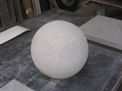 Boule en pierre reconstituée