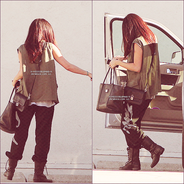 + April 10th & 11th  ;   Selena allant dans un studio � Los Angeles. +