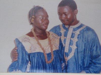 ma mere&mon pere le jour de leurs mariage !! beau a voir