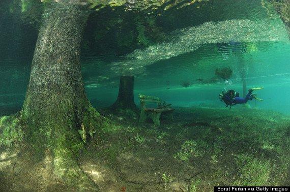 O Fant Stico Parque Submerso Da Ustria