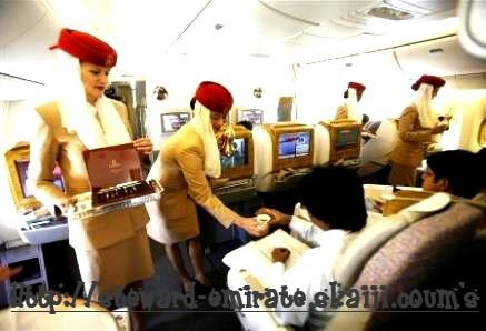 comment devenir hotesse de l 39 air chez emirates. Black Bedroom Furniture Sets. Home Design Ideas