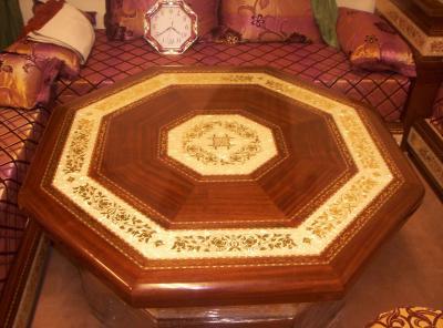 Table polystere salon marocain for Table a the marocaine