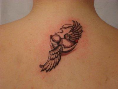 Hirondelle books tattoo piercing tatoueur geneve - Tatouage hirondelle old school ...