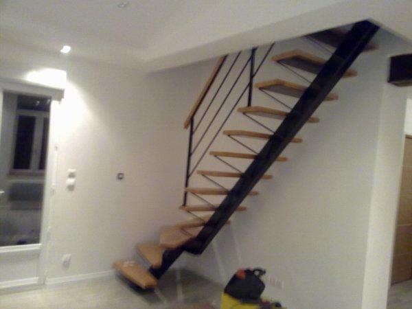 escalier 1 4 tournant droit blog de halterophyle. Black Bedroom Furniture Sets. Home Design Ideas