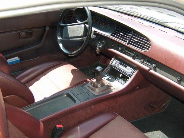 Guide d 39 achat porsche 944 mes aventures en porsche 944 for Porsche 944 interieur