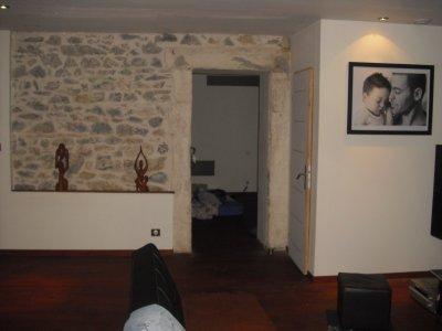 mur en pierre avec encadrement d 39 une des chambre tout en les mur interieur de l. Black Bedroom Furniture Sets. Home Design Ideas