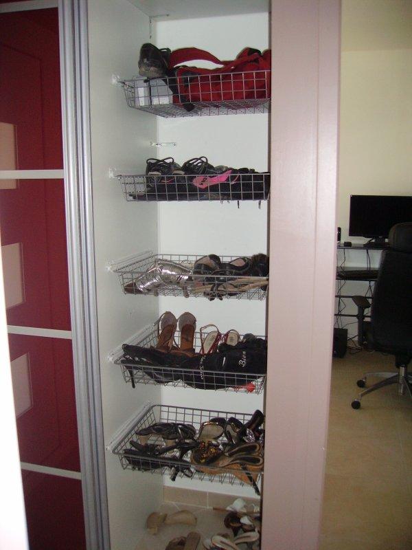 placard chaussure entr e construction maison. Black Bedroom Furniture Sets. Home Design Ideas