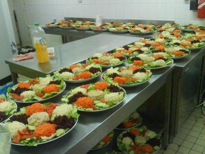 confection de 70 assiette de salade organisation mariage orientale traiteur. Black Bedroom Furniture Sets. Home Design Ideas