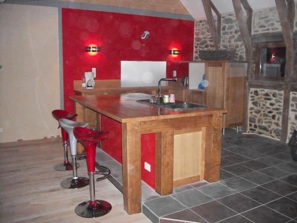 la premiere couche du vernis bistrot sur le plan de travail est pass e r novation grange cantal. Black Bedroom Furniture Sets. Home Design Ideas