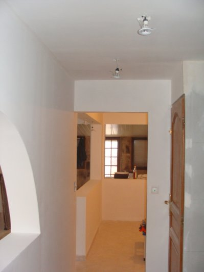 mon hall d 39 entr e avec sa premiere couche de peinture. Black Bedroom Furniture Sets. Home Design Ideas
