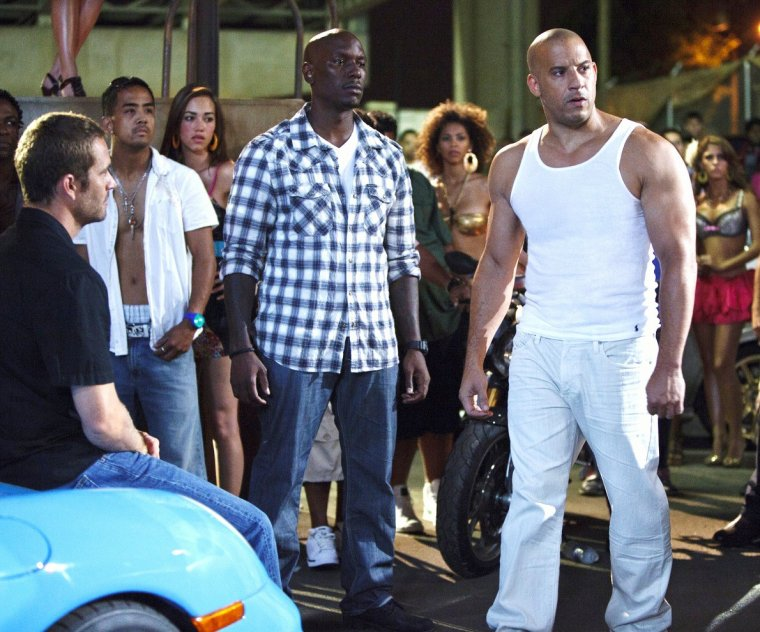 fast and furious 5 date de sortie 4 mai 2011 2h 10min r alis par justin lin avec vin. Black Bedroom Furniture Sets. Home Design Ideas