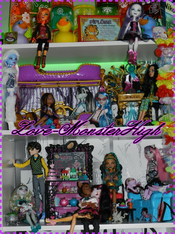 mobilier monster high pas cher mobilier monster high sur enperdresonlapin. Black Bedroom Furniture Sets. Home Design Ideas