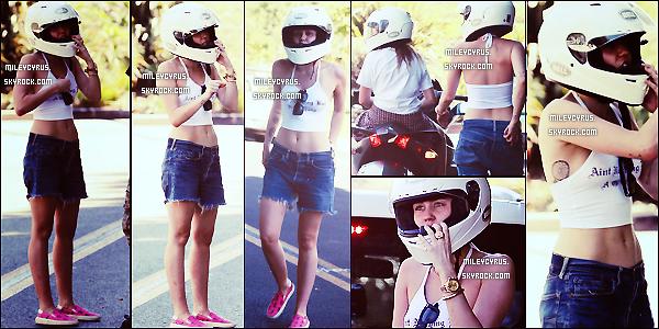 .  15/09/2014   Candids   Miley voulant passer du bon temps avec sa soeur Noah avec leur scooter � trois roues offert par leur p�re, �s'est fait suivre par des paparazzis, ne la laissant pas tranquille malgr�s plusieurs avertissements, Miley a d� appeler la police ! .