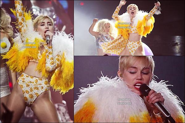 .  21/09/2014   Concert   Miley continue toujours le Bangerz Tour et elle est toujours au Mexique � Guadalajara ! .
