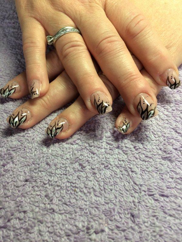 Nail Art noir et argent