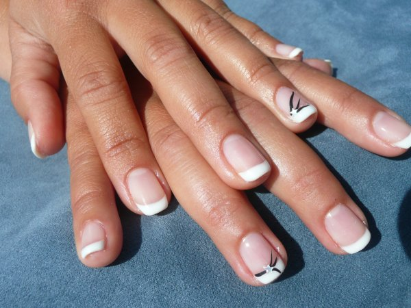 French au gel sur ongles naturels attitude french - Ongle gel french ...