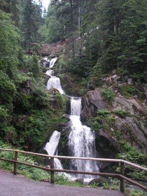 Images d 39 allemagne les cascades de triberg les plus hautes d 39 allemagne cycliste68 - Piscine foret noire le havre ...