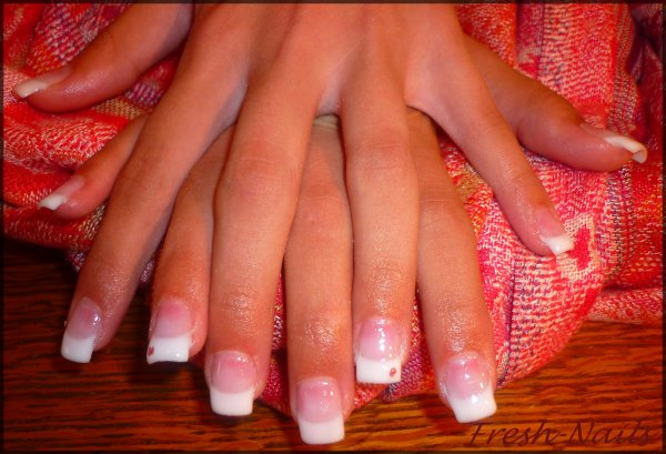 Ongles en gel fresh nails - Faux ongles rose pale ...