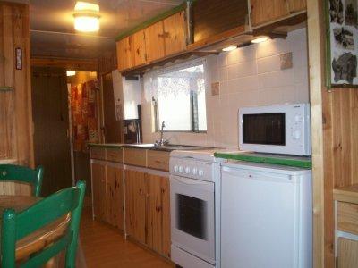 Bambou et sa petite cuisine quip e locations for Cuisine meublee et equipee