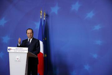 Fran�ois Hollande menace Moscou de nouvelles sanctions de l'UE