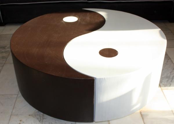 Table basse ying yang gris clair noir blog de q7design - Table basse ying yang ...