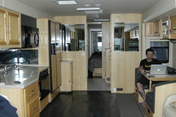 vue int rieure du bus am ricain am nag 6 de lo c gaden avalanche cup lyon la sarra 27 et. Black Bedroom Furniture Sets. Home Design Ideas