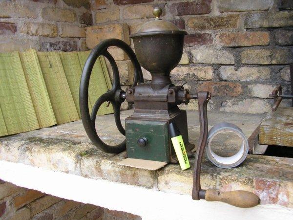 Moulin de comptoir c1 peugeot volant tr mie maill e ma collection de moulins caf pice - Moulin a cafe de comptoir ...