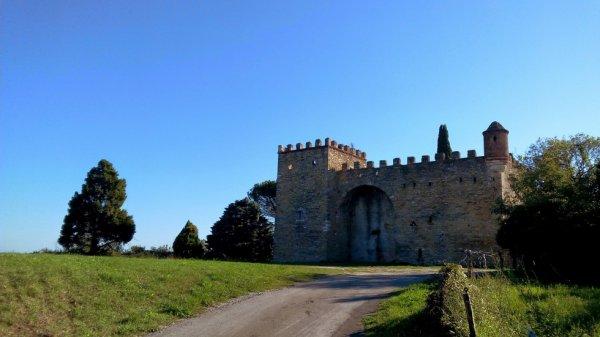 Ch�teau de Montmoirac � Saint-Christol les Al�s (Gard)